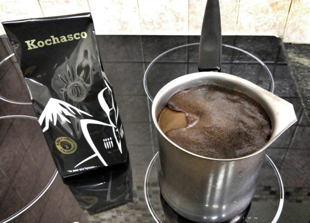 קפה שחור, רגע לפני שגולש