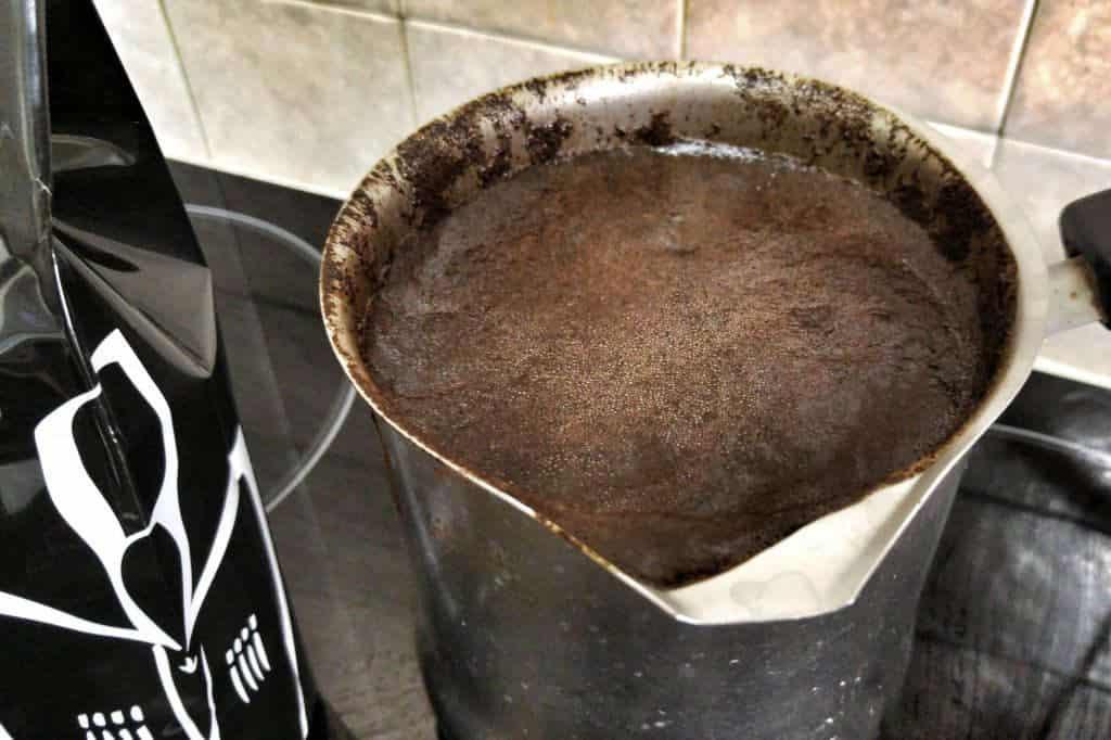 קפה שחור, מורידים מהאש